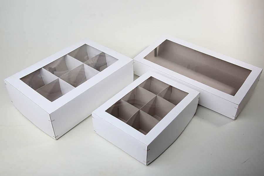 Kartons weiss mit Klarsichtfenster